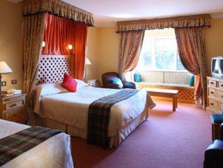 Dingle Benners hotel Bedroom