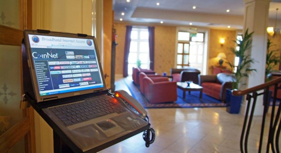Holiday Inn Killarney lobby