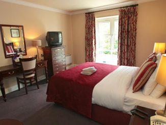 killarney riverside hotel bedroom