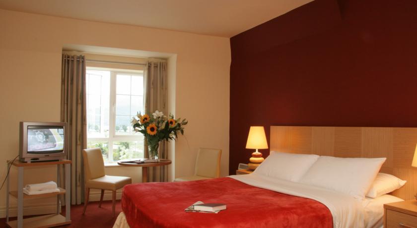 Travel Inn Killarney Bedroom 2