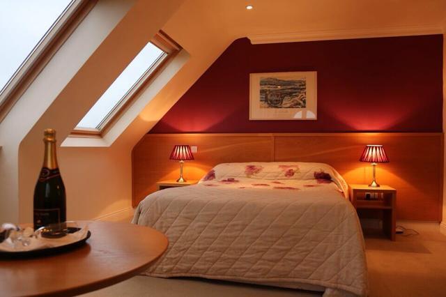 Ceann Sibeal Hotel Ballyferriter Bedroom