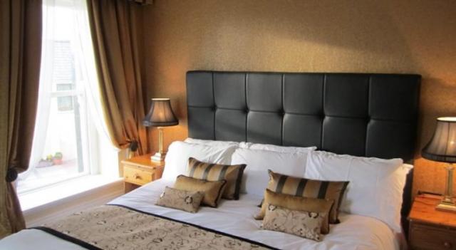Towers Hotel Glenbeigh Bedroom 2