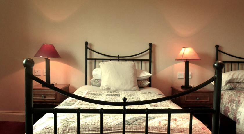 Applecroft House Killarney Bedroom 1
