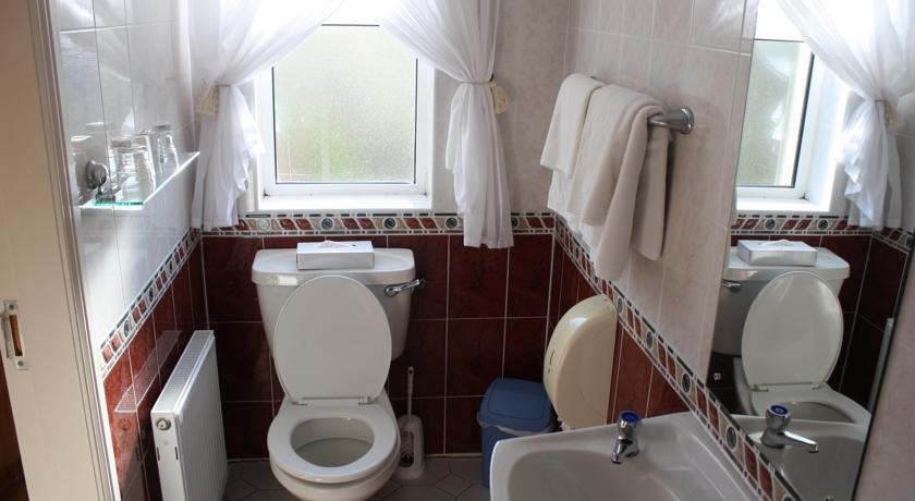 B&B Dingle town - Barr na Sraide bathroom