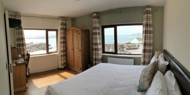 The Coastguard Ballydavid Bedroom